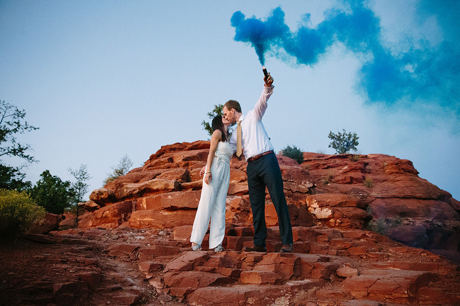 26sedona-arizona-engagement-shoot-red-rocks-sunset-bhldn-studio-nouveau