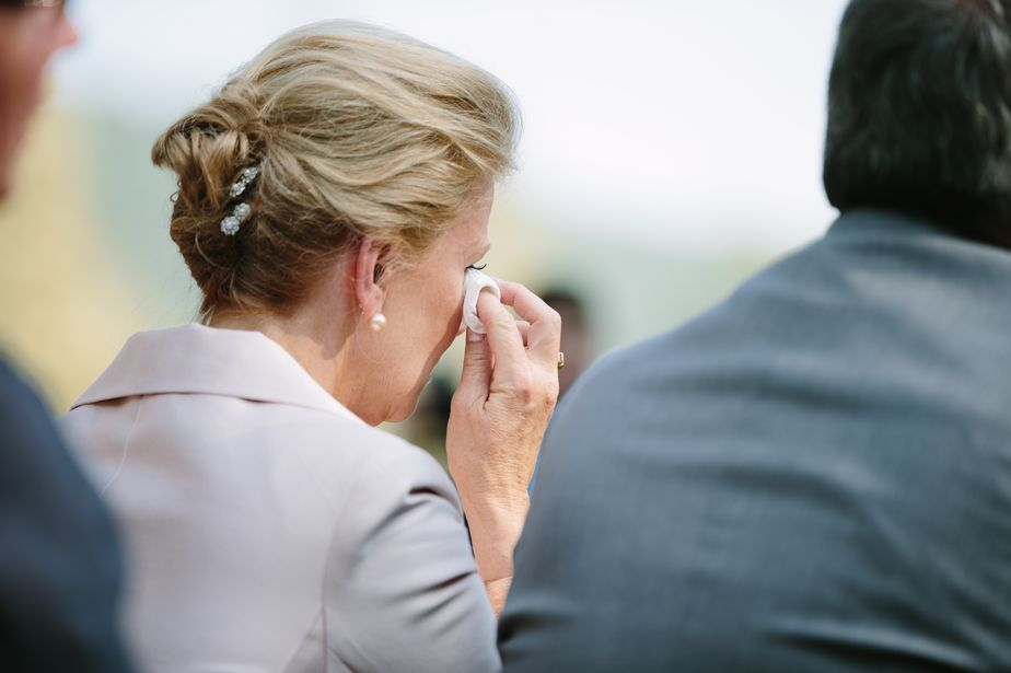 mom cries at brookwood garden wedding