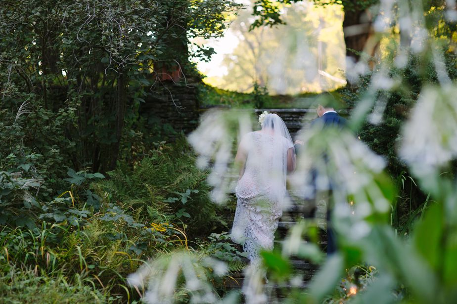 natural bride and groom and brookwood garden