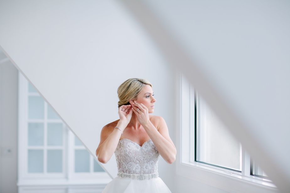 architectural bridal portrait at belle mer wedding newport RI