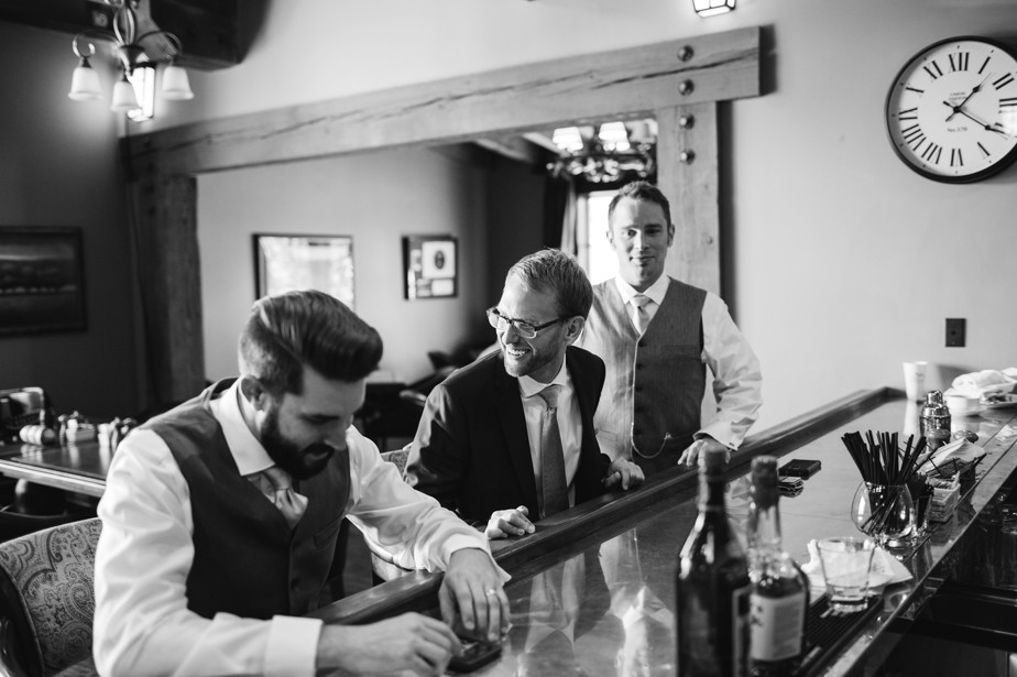 groom prep at flagstaff AZ wedding at pine canyon