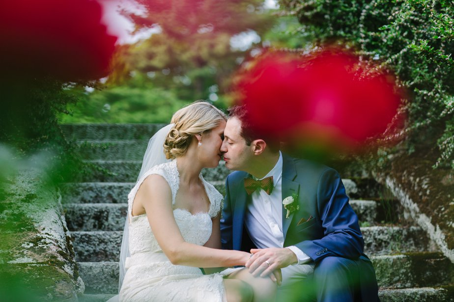 couple kissing at the estate at moraine farm in beverly ma