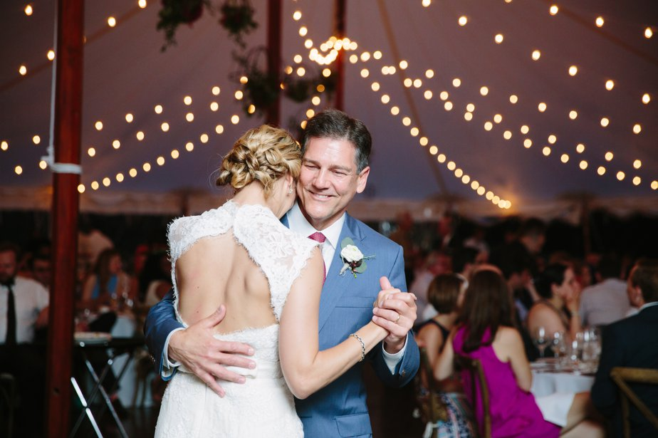 emotional father daughter dance at moraine farm wedding