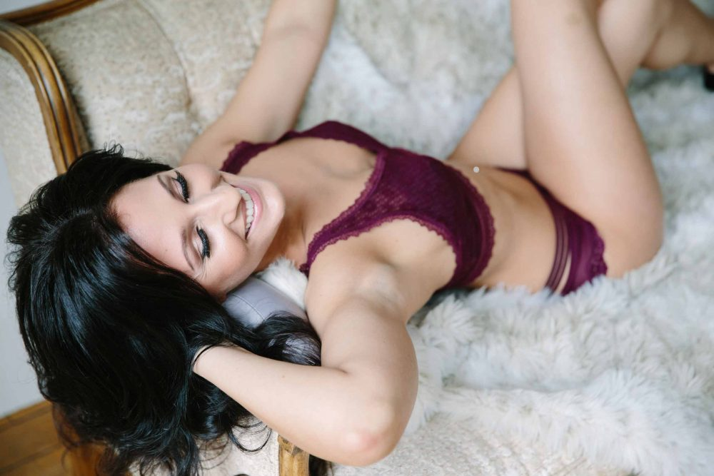sexy pose for boston boudoir photographer