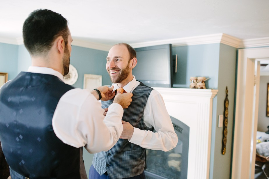 grooms get ready at dorset inn wedding