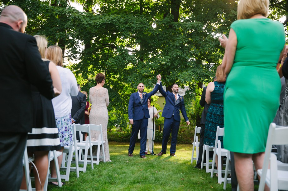 married! two grooms say I do at the dorset inn in vermont