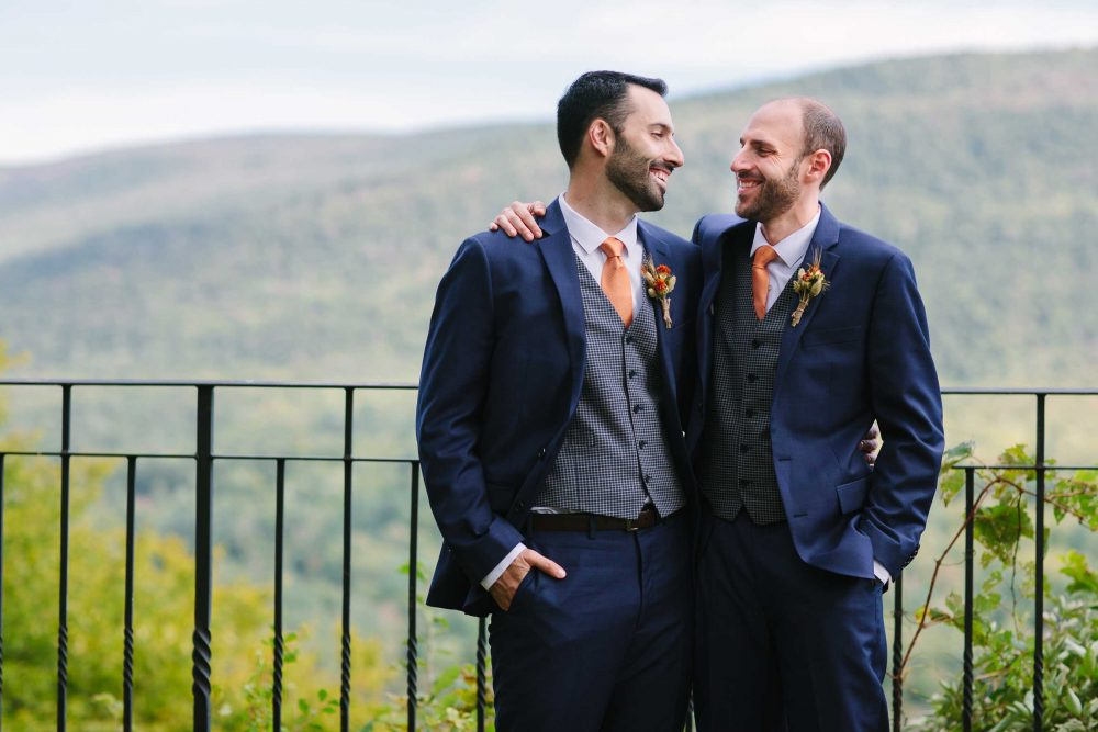 hildene wedding for gay couple at dorset inn wedding