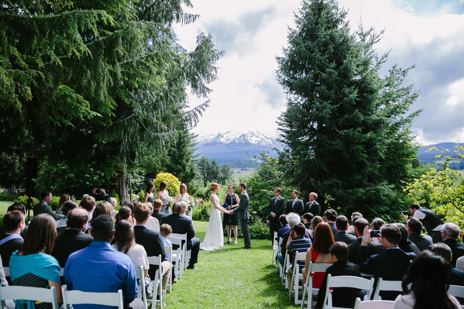 mt hood organic farm wedding in oregon