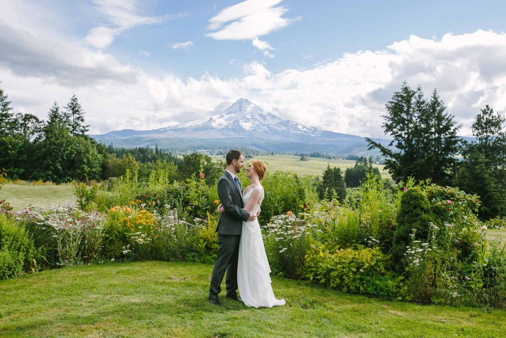 mt-hood-organic-farm-wedding-destination