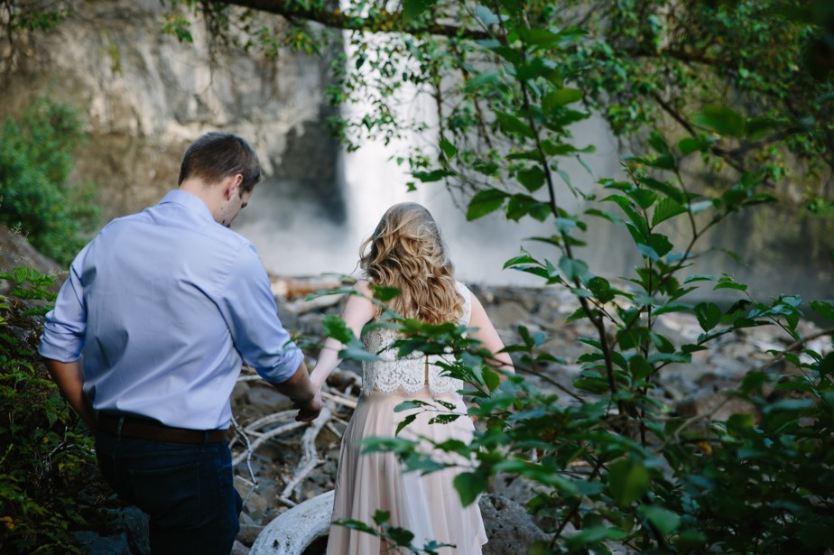 014_snoqualmie-falls-seattle-engagement-shoot-studio-nouveau
