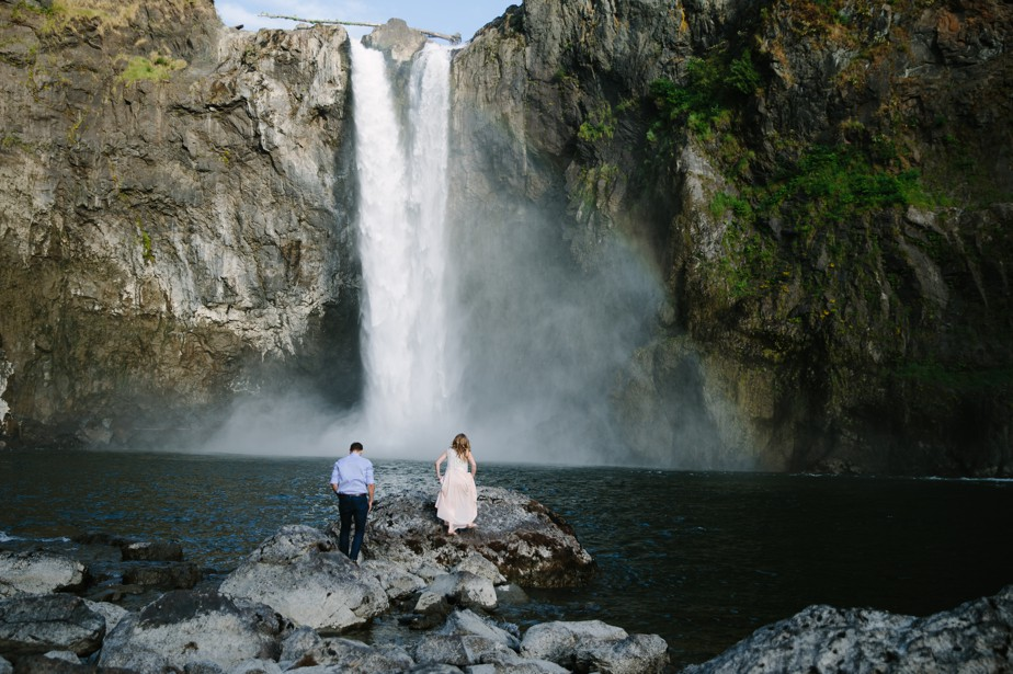 018_snoqualmie-falls-seattle-engagement-shoot-studio-nouveau