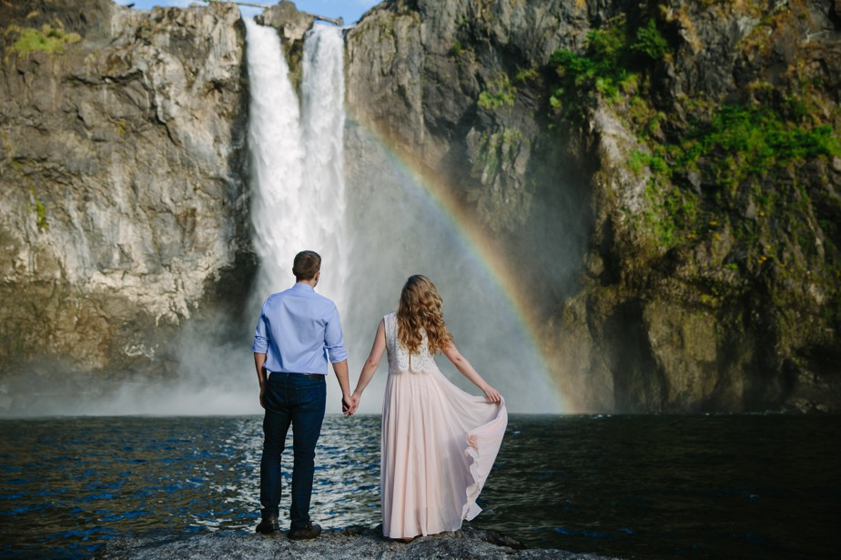 022_snoqualmie-falls-seattle-engagement-shoot-studio-nouveau