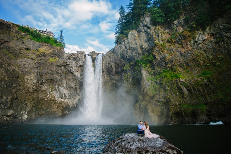 023_snoqualmie-falls-seattle-engagement-shoot-studio-nouveau