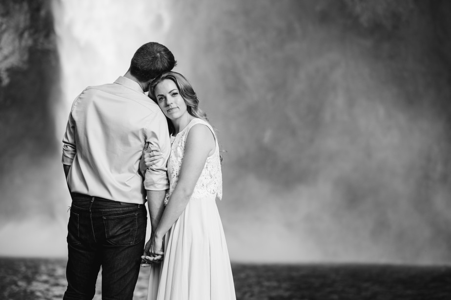 026_snoqualmie-falls-seattle-engagement-shoot-studio-nouveau