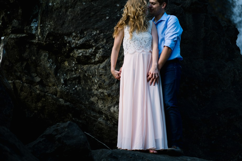 031_snoqualmie-falls-seattle-engagement-shoot-studio-nouveau