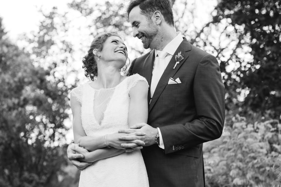 natural candid wedding photos the estate at moraine farm wedding